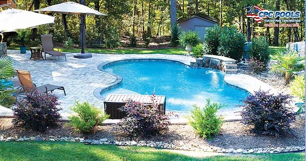 Top 5 Reasons to Choose a Concrete Swimming Pool